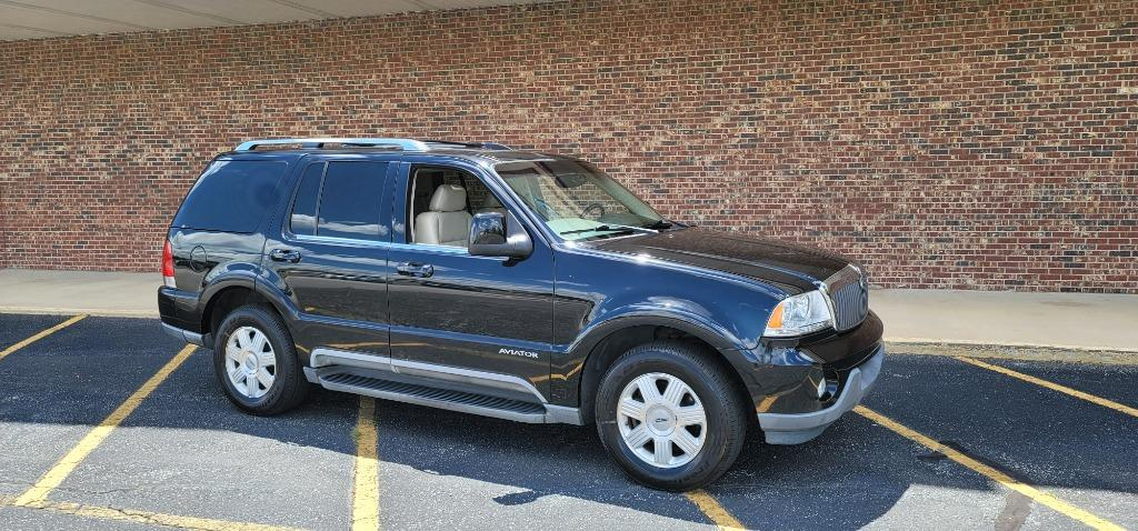 2004 Lincoln Aviator Luxury photo