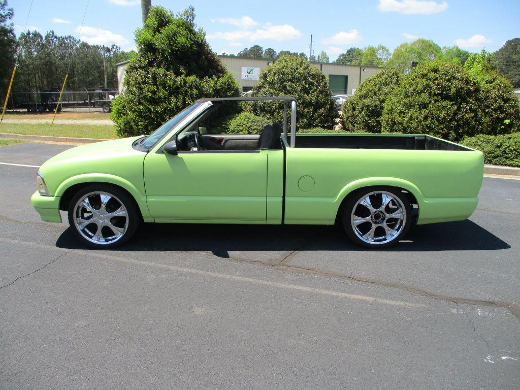 1995 Chevrolet S-10 photo