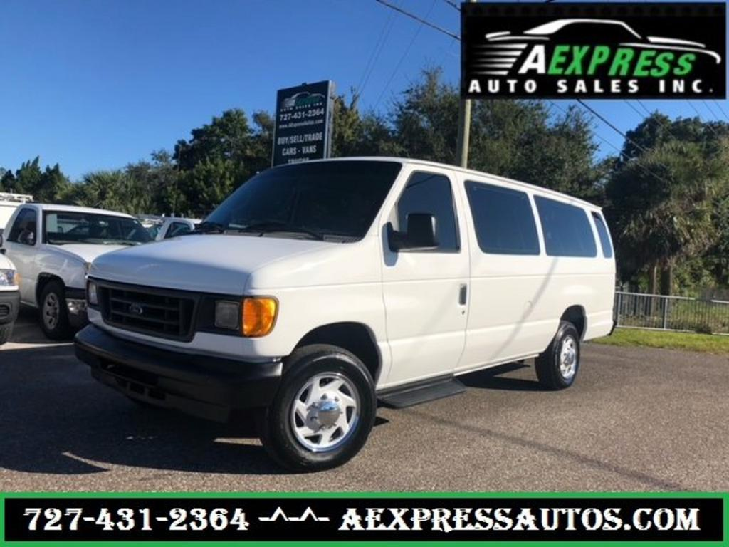 2004 Ford E-350 XL SD