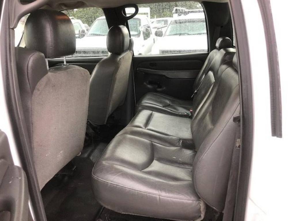 Amazing Check Out This 2005 Chevrolet Silverado 2500 Should I Get It Machost Co Dining Chair Design Ideas Machostcouk