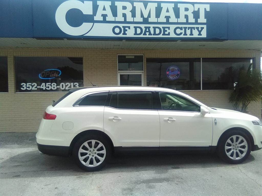 2014 Lincoln MKT photo