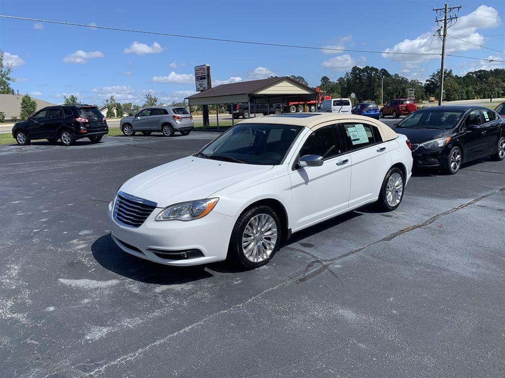 2011 Chrysler 200 Limited photo
