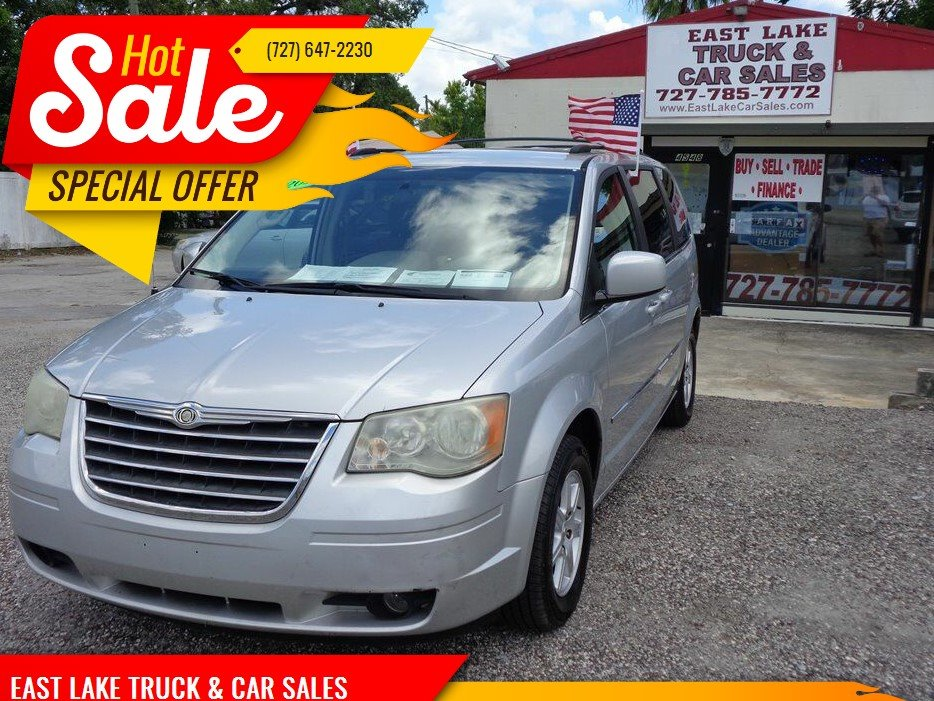 2010 Chrysler Town & Country Touring photo