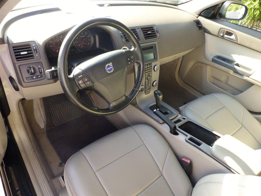 2009 Volvo S40 2.4i photo