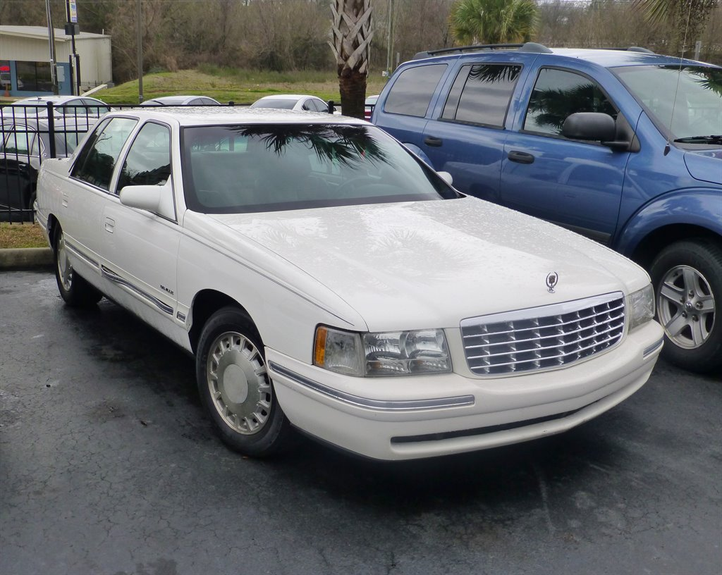 1998 Cadillac DeVille photo