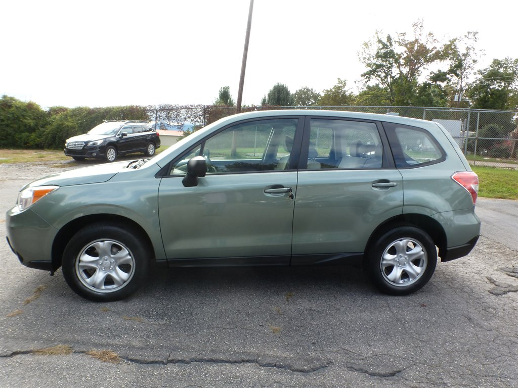 2016 Subaru Forester 2.5i photo