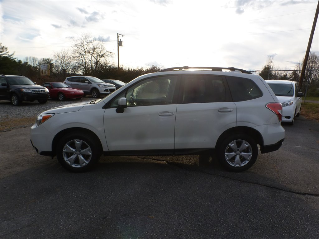 2016 Subaru Forester 2.5i Premium photo