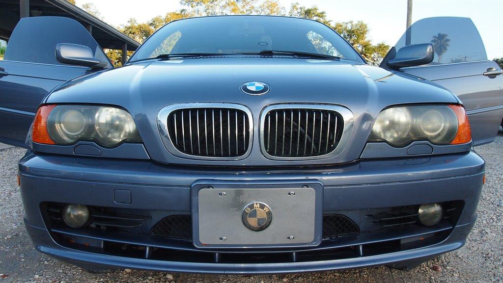 2002 BMW 3-Series 325Ci photo
