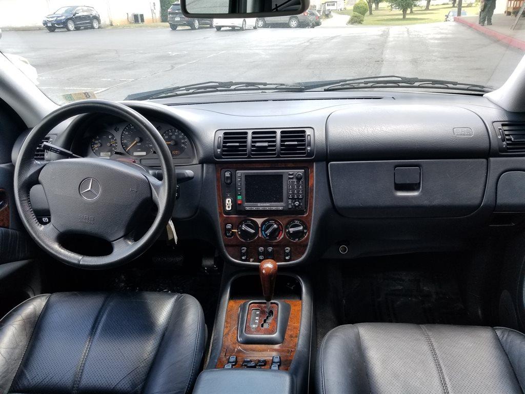 2001 Mercedes-Benz M-Class ML430 photo