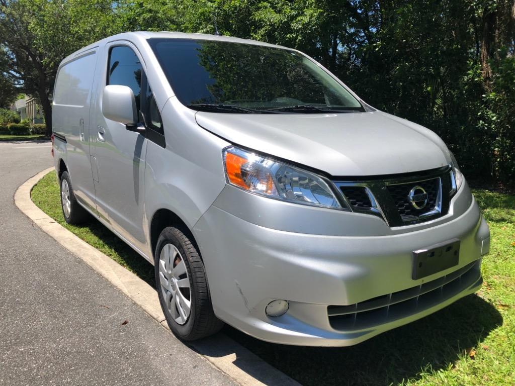 The 2013 Nissan NV200 S photos