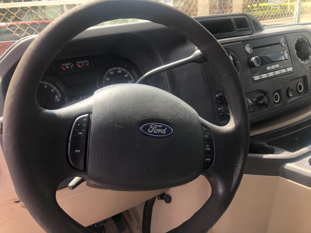 2010 Ford E-350 E-350 SD XL photo