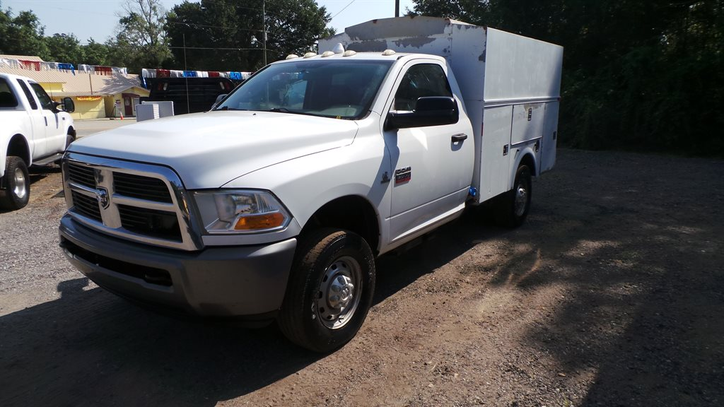 The 2011 RAM 3500 ST photos