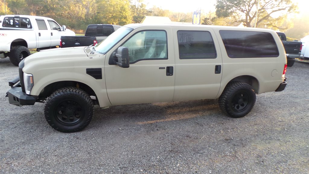The 2000 Ford Excursion Limited photos