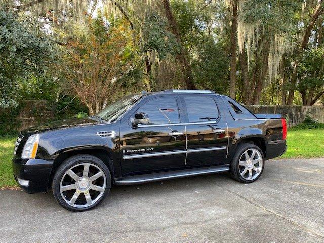 The 2008 Cadillac Escalade EXT photos