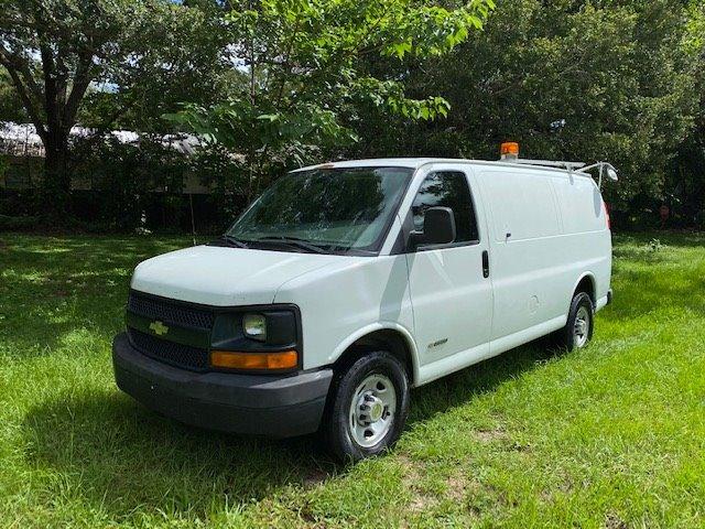 2005 Chevrolet Express 2500 2500 photo
