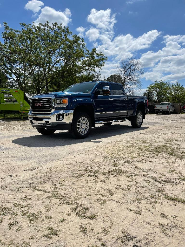 2017 GMC Sierra 2500 SLT photo