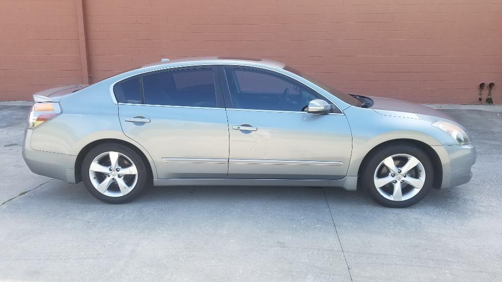2008 Nissan Altima 3.5 SE photo