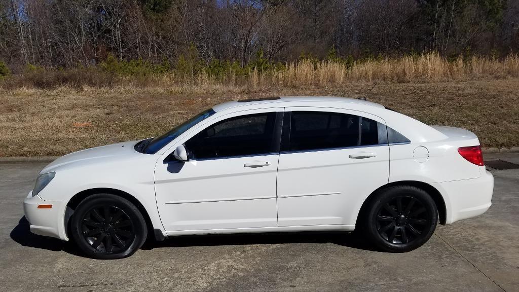 2010 Chrysler Sebring Limited photo