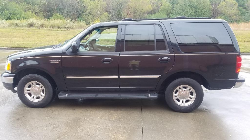 2001 Ford Expedition XLT photo