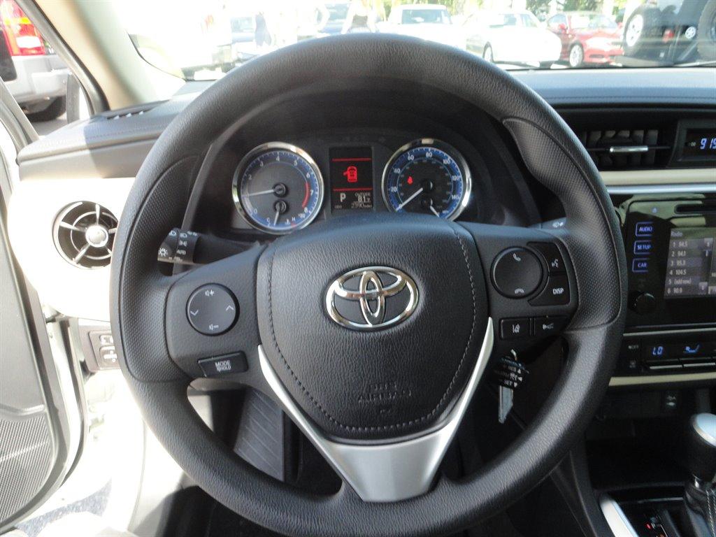 2019 Toyota Corolla LE photo