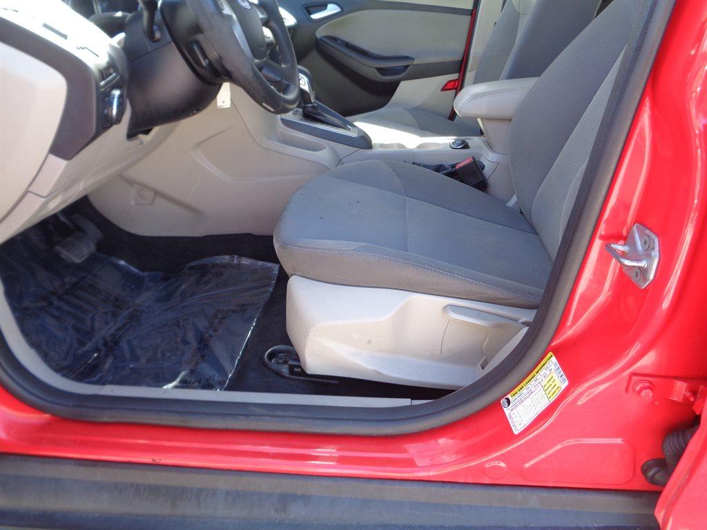 2013 Ford Focus SE photo