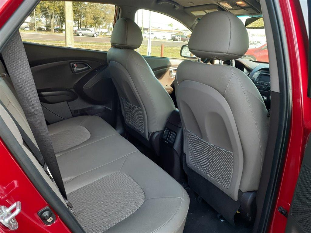 2015 Hyundai Tucson SE photo