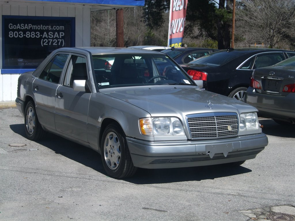 1995 Mercedes-Benz E-Class E320 photo