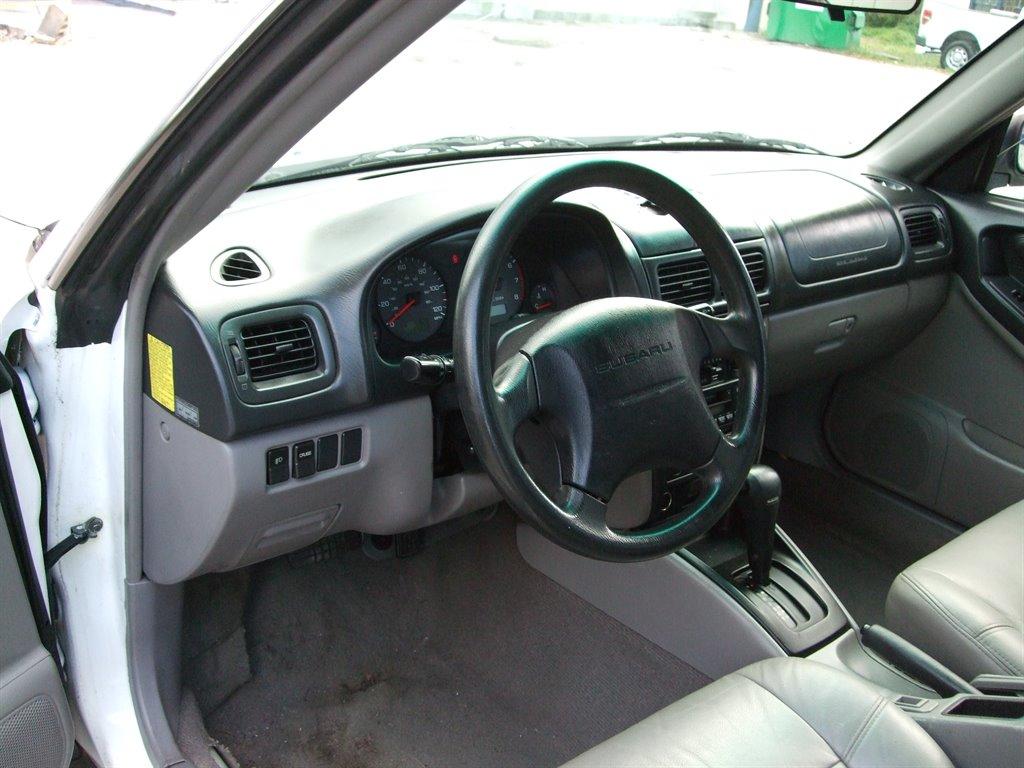 2002 Subaru Forester L photo