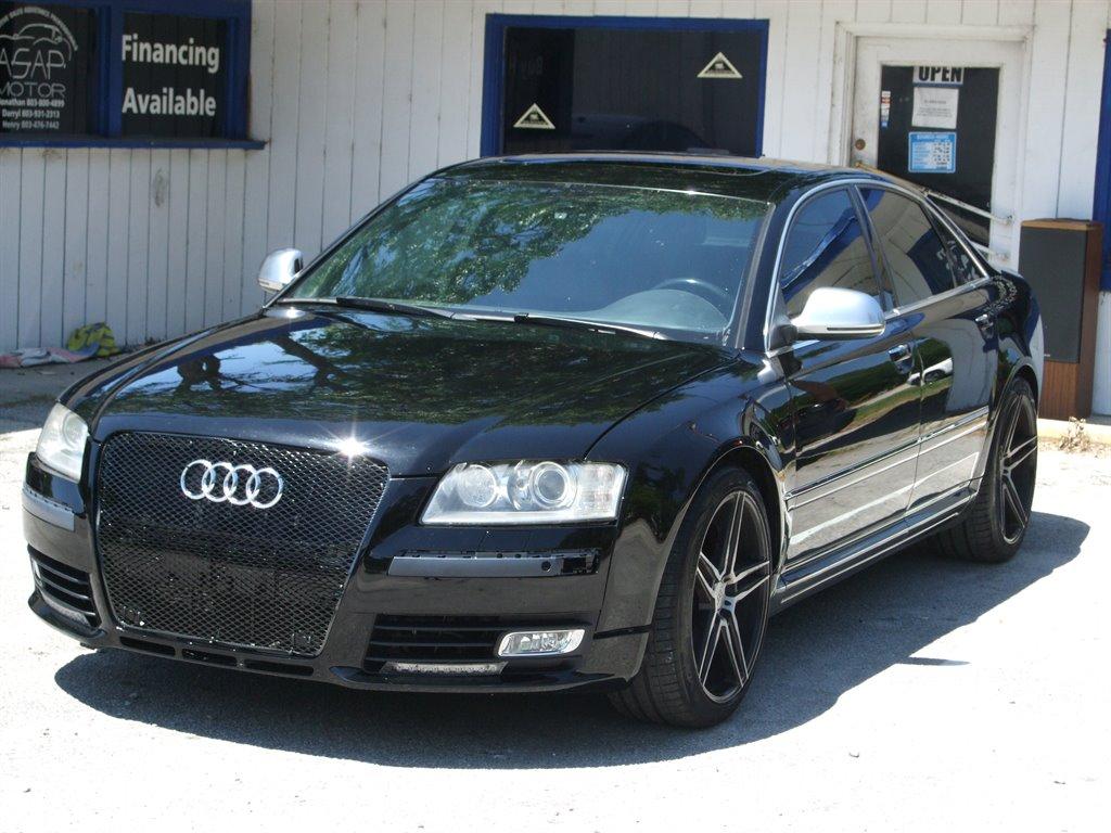 The 2008 Audi S8 quattro photos