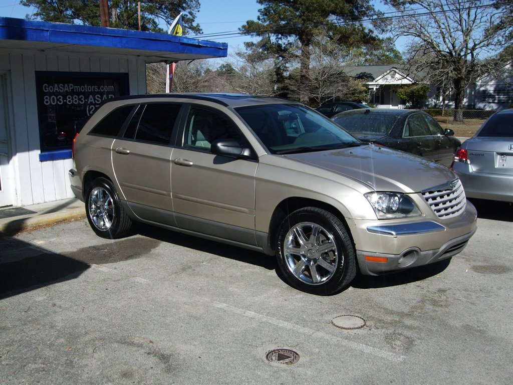2005 Chrysler Pacifica Touring photo