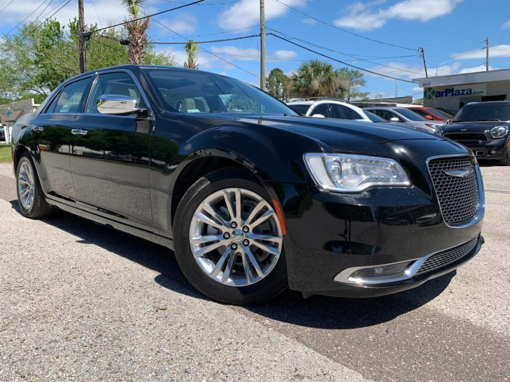 2016 Chrysler 300 C photo