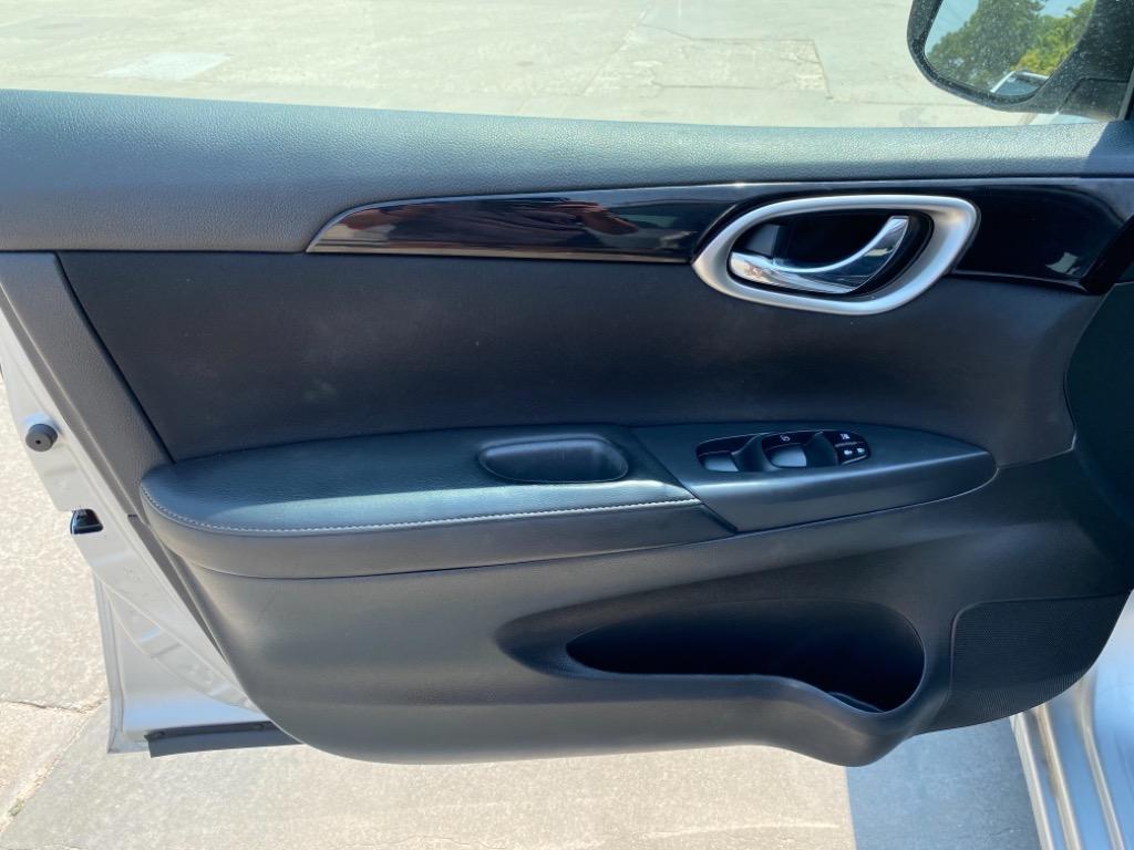 2017 Nissan Sentra SR photo