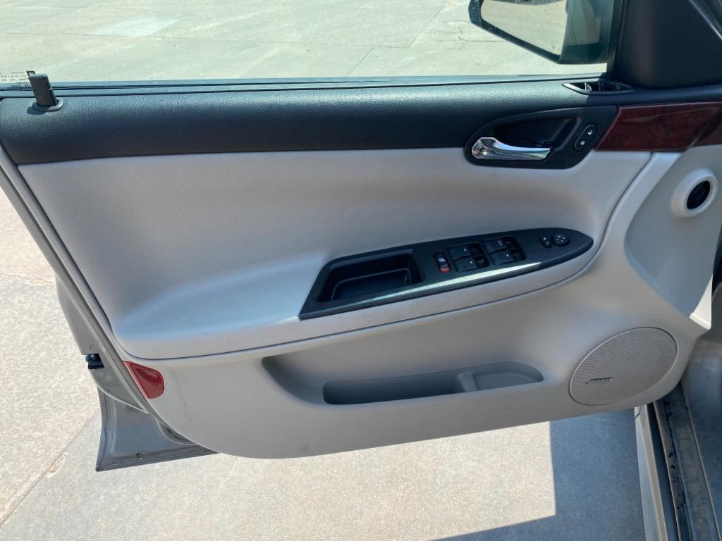 2009 Chevrolet Impala LTZ photo