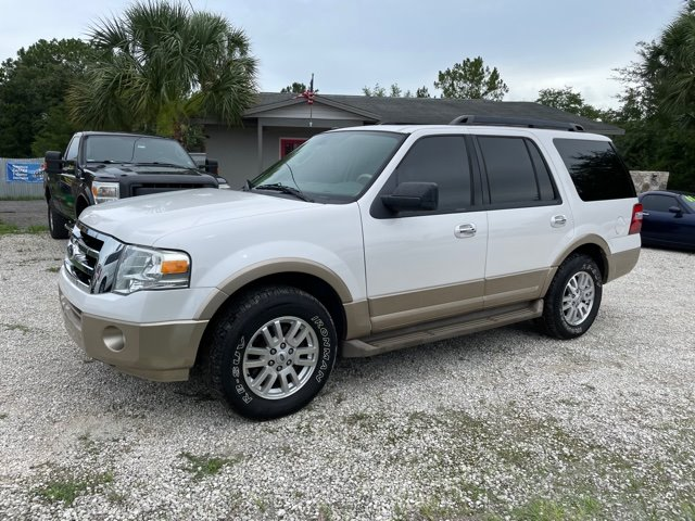 The 2011 Ford Expedition XLT photos
