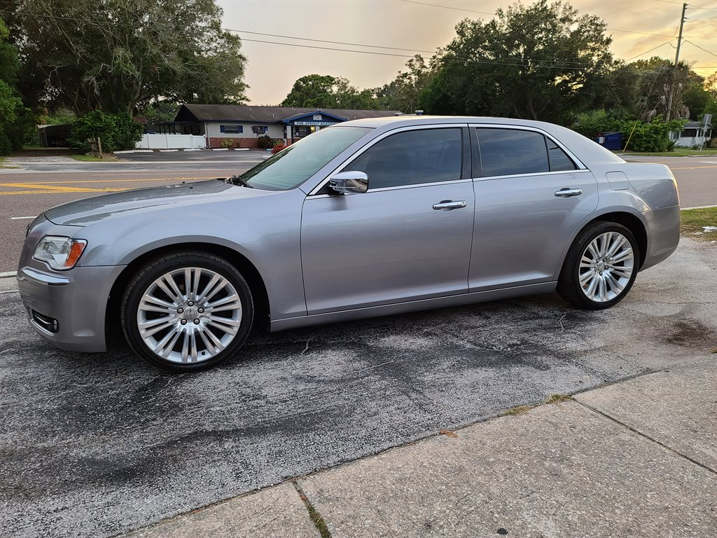 2014 Chrysler 300 C photo