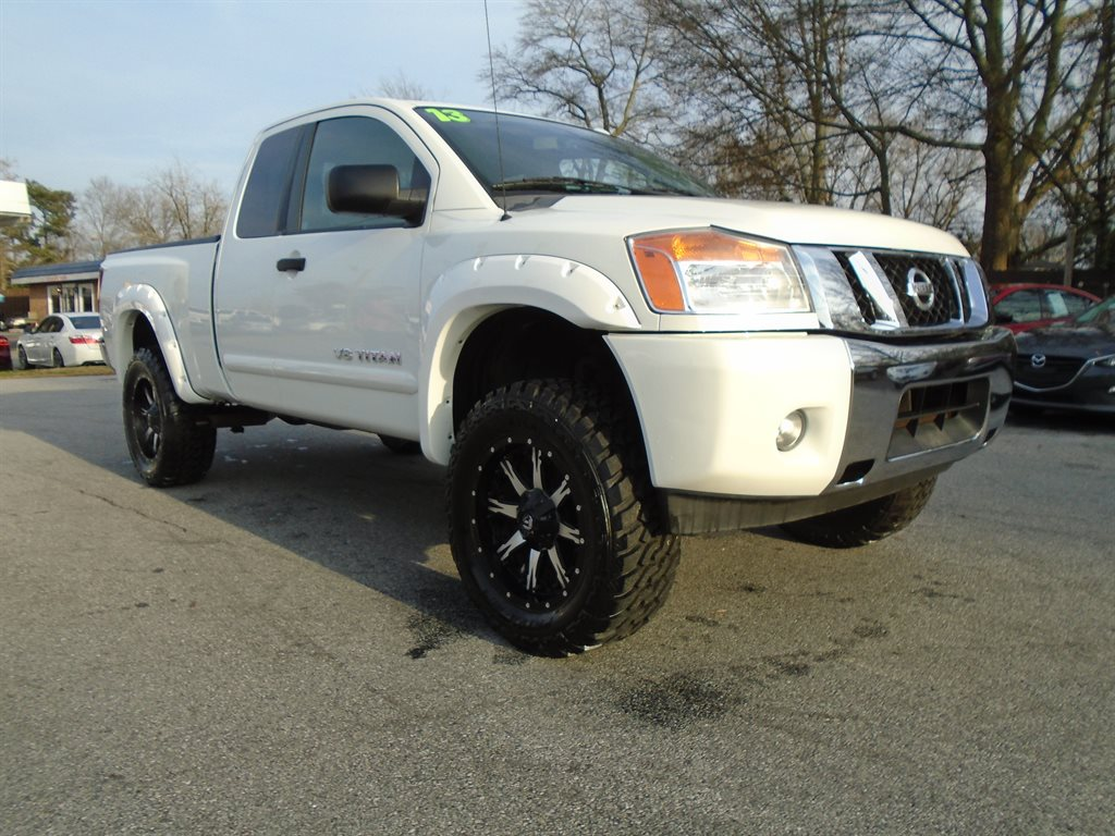 2013 Nissan Titan SV photo