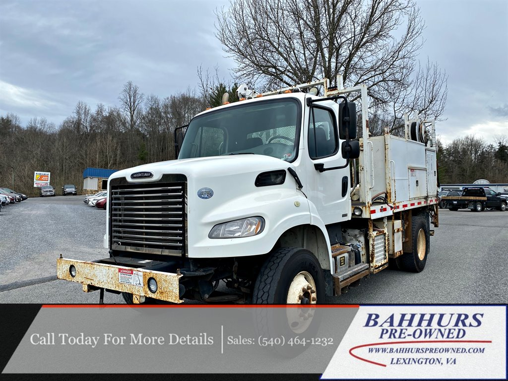 The 2011 Freightliner Class M2 photos