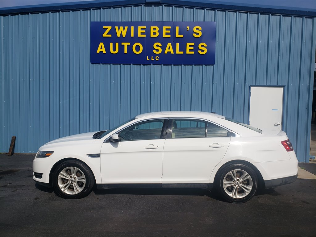 2014 Ford Taurus SEL photo