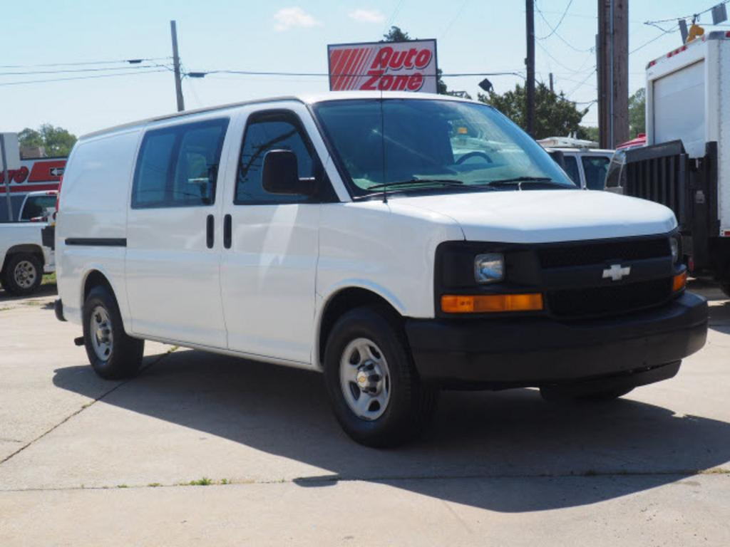 2005 Chevrolet Express 1500 1500 photo