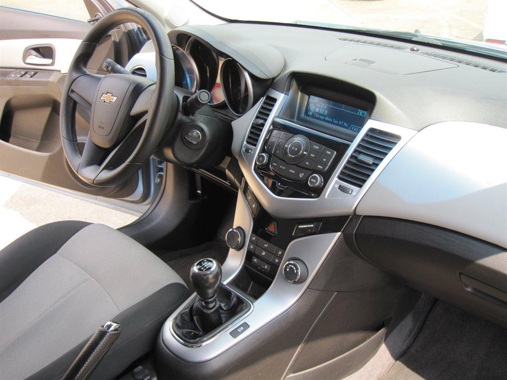 2011 Chevrolet Cruze LS photo