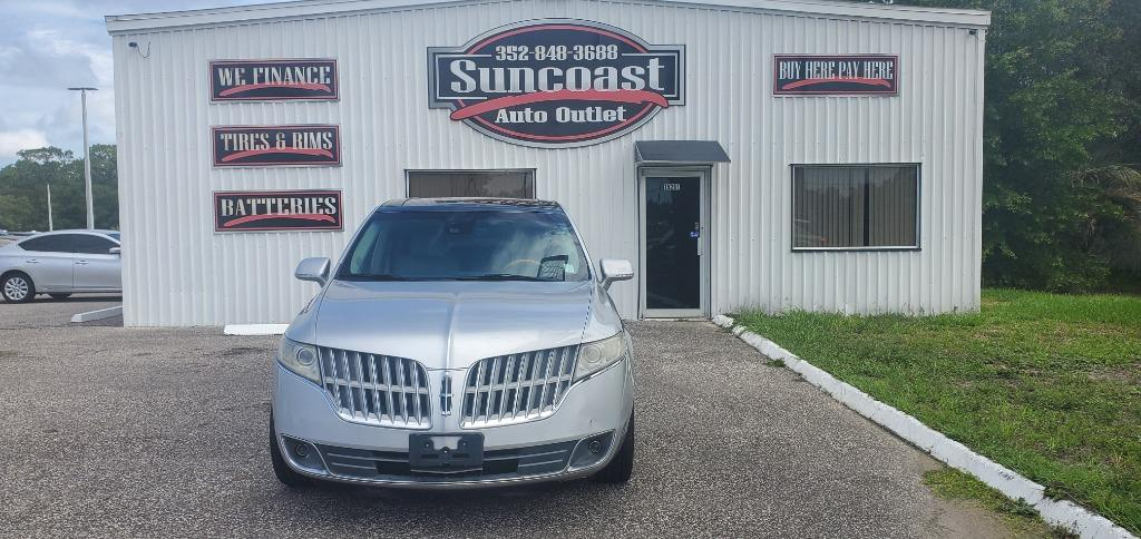 2011 Lincoln MKT photo