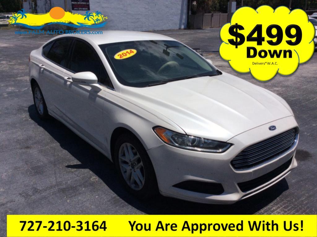 The 2014 Ford Fusion SE photos