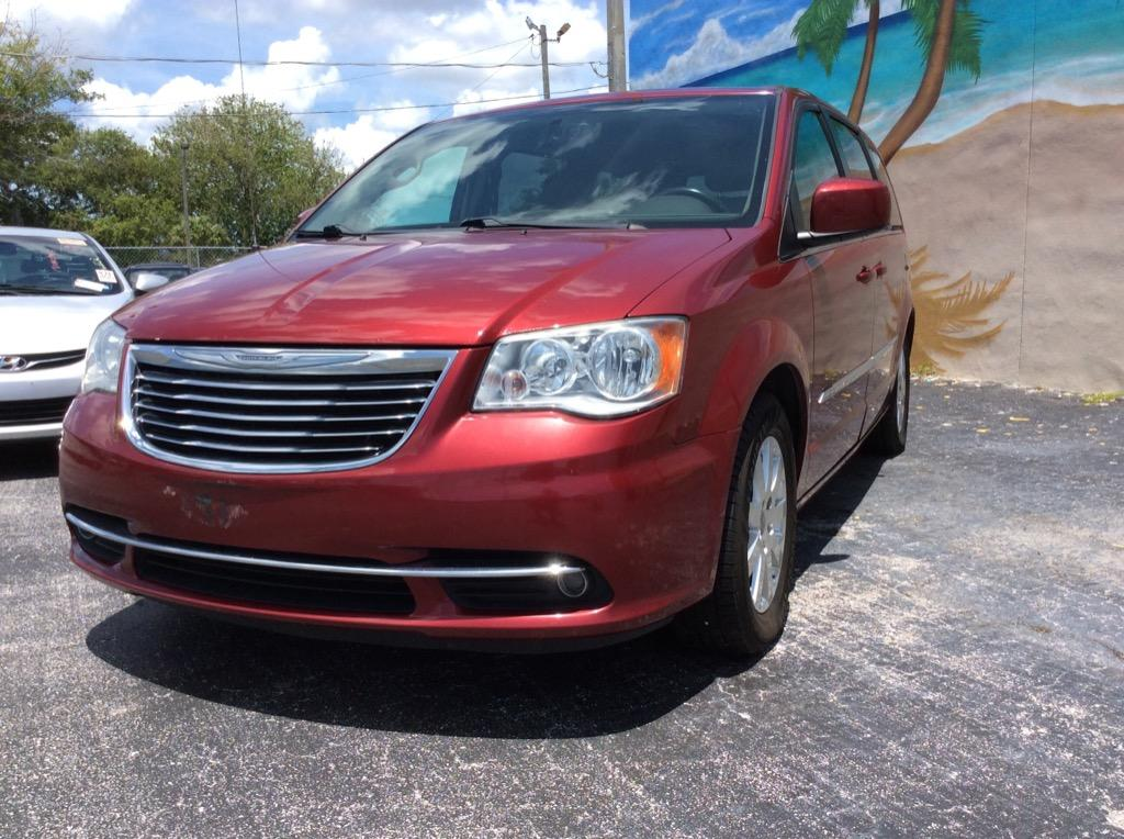 2016 Chrysler Town & Country Touring photo