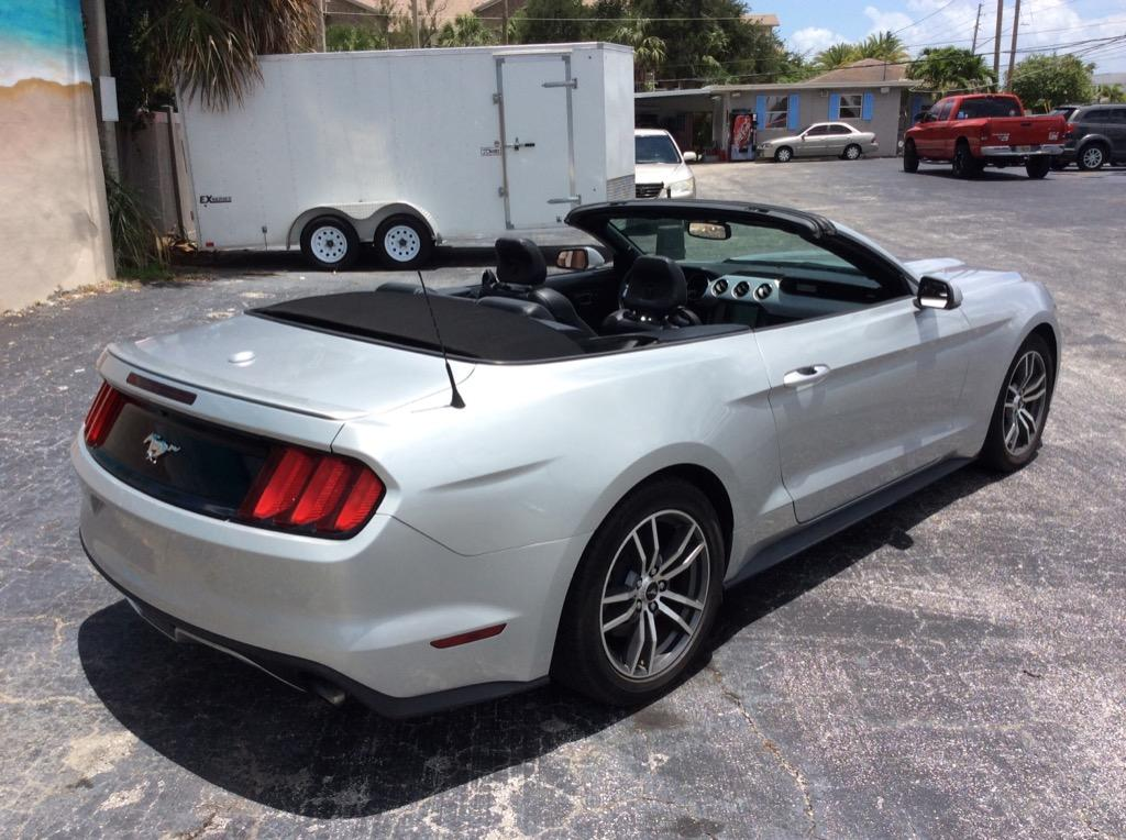2015 Ford Mustang ECO Premium photo