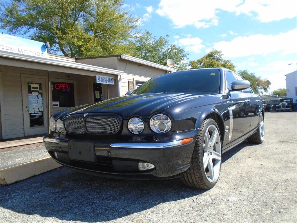 2007 Jaguar XJR  photo