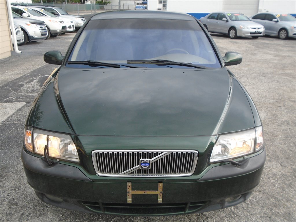 The 2000 Volvo S80 T6