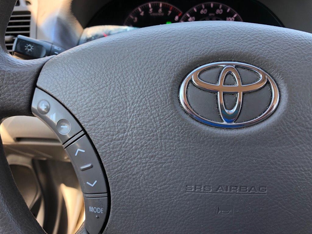 2005 Toyota Camry Standard photo