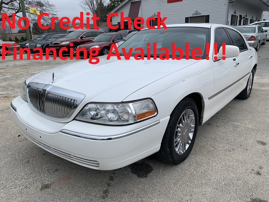 2007 Lincoln Town Car Signature Limited photo