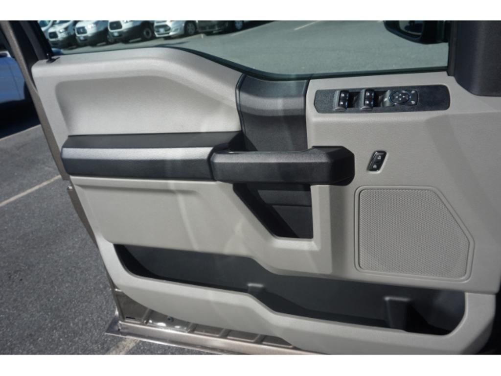 2020 Ford F-250 Super Duty STX photo