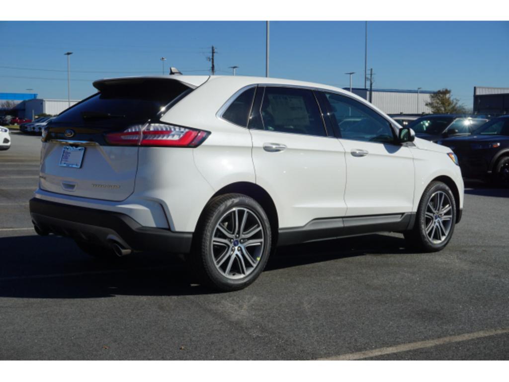 2020 Ford Edge Titanium photo